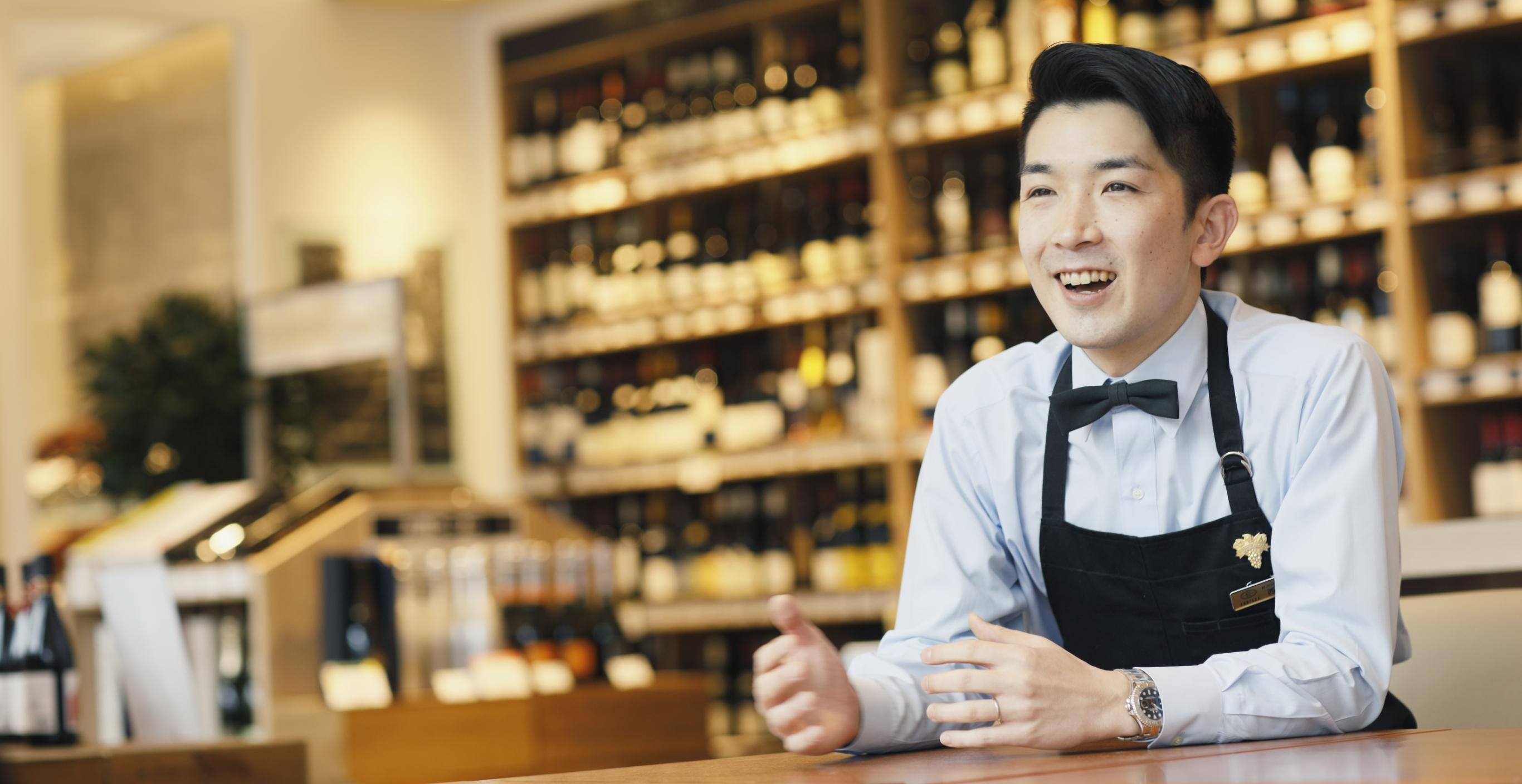 ショップを舞台に、お客様とスタッフがワインで繋がる仕組みを作る。